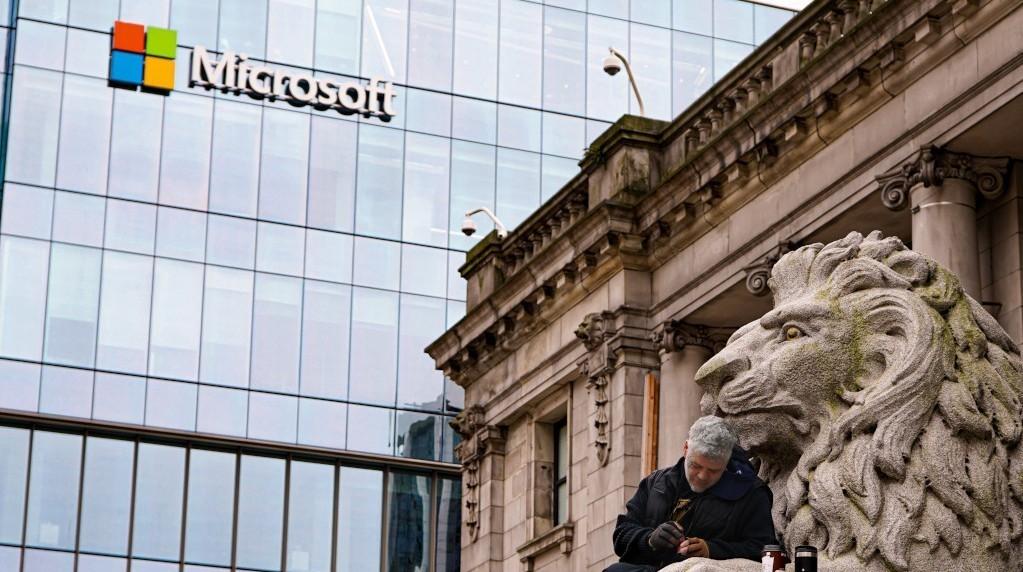 El tracking de Microsoft, la Estrategia nacional de IA y las nuevas directivas europeas sobre tecnología.